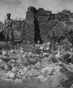 Armenians burnt alive in Sheykhalan by Turkish soldiers, 1915