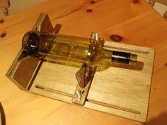 Cortador de botellas de cristal. (Modelo en Sketchup: https://3dwarehouse.sketchup.com/model.html?id=u39465139-319a-4eb7-8ad9-c9a95b1d03fc)