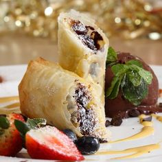Are you dining at Spasso over Christmas? If so, we recommend the perfect finishing touch to your meal: the Strudel with chestnut chocolate and raisins. Delicioso!