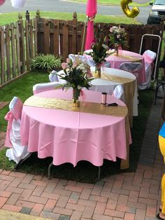 Creative Princess Birthday Party Ideas for Busy Moms Baby Girl Shower Themes, Baby Shower Princess, Baby Shower Decorations, Minnie Mouse 1st Birthday, Baby Birthday, Pink And Gold Birthday Party, Princess Birthday Party Decorations, Princess Centerpieces, Shower Party
