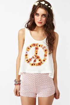 LOVE the top and the shorts!!!  http://www.nastygal.com/whats%2Dnew/della%2Dlace%2Dshorts