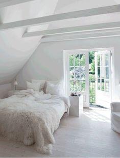 Cute bed.  www.bloglovin.com...