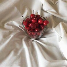 Trendy Ideas For Fruit Aesthetic Cherry White Aesthetic, Aesthetic Food, Aesthetic Memes, Summer Aesthetic, Think Food, Cherry Red, Cherry Baby, Cherry Fruit, Sour Cherry
