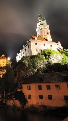 Krumlov Castle Night Czech Republic iPhone 5 wallpapers, backgrounds, 640 x 1136