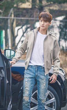 Strong Women DBS Park Hyungsik || claramente es por el personaje, pero en verdad que se ve MUY BIEN MIN HYUK EN CADA OUTFIT DURANTE TODO EL DRAMA ♡♡