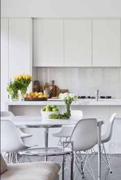 Lavender Grey Floor White Marble Kitchen : Great Grey Floor White Kitchen – The Kitchen Glass Kitchen, New Kitchen, Kitchen Dining, Kitchen Decor, Kitchen Grey, Kitchen Ideas, Kitchen Styling, Kitchen Designs, Back Painted Glass