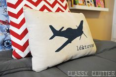 Classy Clutter: My little boys' Airplane Room - Linin Fabric, Freezer Paper, Trace, Paint. DONE