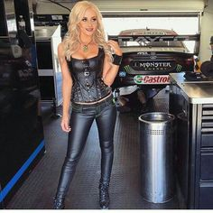 Monster Energy Girls, Monster Girl, Leder Outfits, Leather Trousers, Hot Outfits, Hot Dress, Leather And Lace, Sexy Women, Womens Fashion
