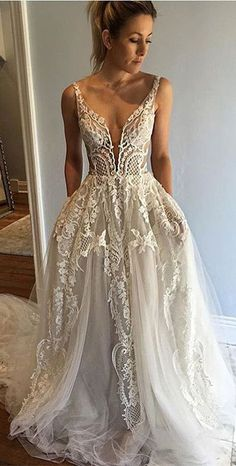 long wedding dress,