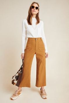 Wide Leg Cropped Pants, Wide Leg Trousers, Wide Leg Jeans, Casual Dresses For Women, Dress Casual, Casual Pants, Crop Pants Outfit, Culottes Outfit Work, Cropped Trousers Outfit