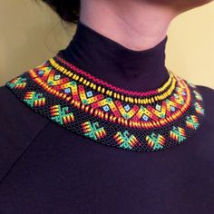 Collares : Gargantilla Embera Aguilas Beaded Collar, Beaded Choker, Collar Necklace, Beaded Necklace Patterns, Lotus Jewelry, American Indian Jewelry, Native American Beadwork, Folk Fashion, Seed Bead Necklace