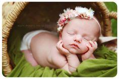 Newborn, photography, baby girl, flower headband, outdoor photo, natural light www.agapemoments.net