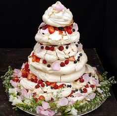 Pavlova wedding cake http://www.greenunion.co.uk/blog/images/pavlova_wedding_cake.jpg