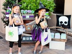 Send Halloween guests home with one of these adorable party favors or treat bags. Our free printable labels, embellishments and photo booth accessories will make it a snap to throw a kid-pleasing monster mash.
