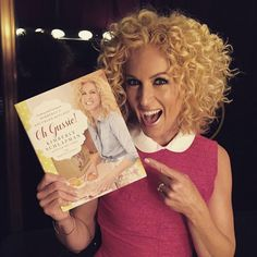 What Kimberly Schlapman of Little Big Town Uses On Her Curly Hair Braids For Short Hair, Curly Hair Tips, Short Curly Hair, Curly Girl, Hair Dos, Curly Hair Styles, Box Braids, Side Curly Hairstyles, My Hairstyle