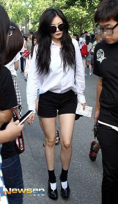 White Plain Polo with Black Short Airport Fashion of Kim Hyuna
