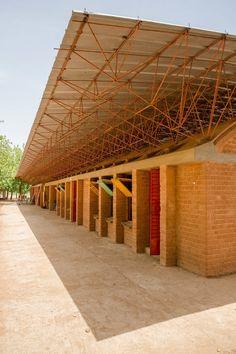 Expansão da escola primária Gando, Burkina Faso, 2008. (Foto Daniel Schwartz / Mídia Gran Horizonte)