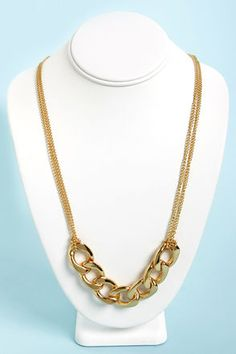 Check it out from Lulus.com! Can't decide between your small feminine chain and your large statement chain