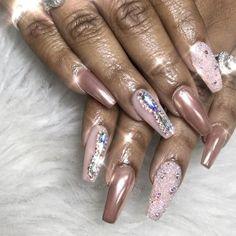 King Roger @roger_thenailartist on Instagram: Rose Gold B♂️✨ #nailsbyroger #chromenails #houstonnails #houstonnail #houston #nails #nailart…
