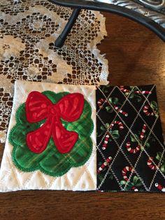 Christmas Wreath Mug Rug, Christmas Coaster, Table Decoration, Stocking Stuffer, Christmas Gift, Hostess Gift by NestingHearts on Etsy