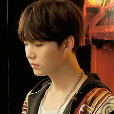 """I should just change the name of my yoongi board to """"talented little piece of fucking art"""""""