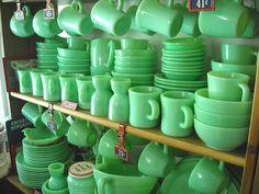 Vintage Fire King Jadite Jadeite Green Glass Chili Cereal Bowl Set of 6 Pyrex Vintage, Vintage Kitchenware, Vintage Dishes, Vintage Glassware, Fenton Glassware, Love Vintage, Vintage Green, Vintage Stuff, Vintage Items