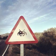Signal. Empordà. Space Invader.