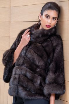Explore the latest SARIGIANNI collection of real fur coats and bags. Modern & elegant mink coats, shearling jackets, fur-trimmed cashmere coats and more. Sable Fur Coat, Fur Coat Fashion, Sexy Women, Women Wear, Cashmere Coat, Shearling Jacket, Furs, Poses, Elegant