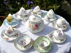 English Table of China Cups.
