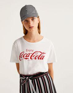 T-shirt Coca-Cola Enjoy - Magliette - Abbigliamento - Donna - PULL&BEAR Italia
