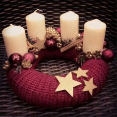 Stunning Christmas Sweater Wreath Advent Candles Decoration Ideas - Page 11 of 55 - Chic Hostess Christmas Advent Wreath, Christmas Candles, Christmas Centerpieces, Rustic Christmas, Xmas Decorations, Winter Christmas, Handmade Christmas, Christmas Time, Christmas Crafts