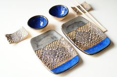 Ceramic Sushi Serving Set Set for Two Rustic Sushi Set by bemika click the link now for more info. Ceramic Clay, Ceramic Plates, Pottery Bowls, Ceramic Pottery, Make Your Own Pottery, High School Ceramics, Sushi Plate, Pottery Handbuilding, Sushi Set
