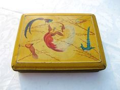 French vintage tin box with  blue and red birds by froufrouretro
