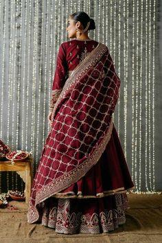 Nikkah Dress, Pakistani Formal Dresses, Pakistani Fashion Party Wear, Pakistani Dress Design, Pakistani Outfits, Indian Dresses, Pakistani Couture, Indian Bridal Outfits, Indian Bridal Wear
