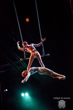 """Twins performing in Cirque du Soleil's show """"O"""""""