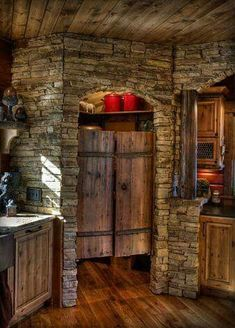What a great country pantry, don't you think?
