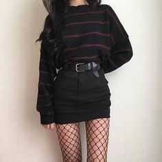 64fe3a6467f2 fishnets and oversized top Grunge Fashion Winter