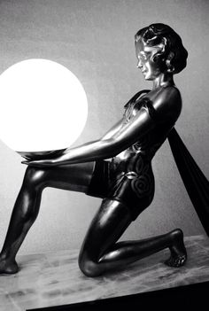 #Art Deco Lamp♠️