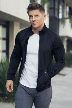 Steve Cook wearing the all new Terrain Track Top. Men's Super Hero Shirts, Women's Super Hero Shirts, Leggings, Gadgets – 2019 - FASHION Sport Fashion, Men's Fashion, Super Hero Shirts, Gym Outfit Men, Look Man, Men With Street Style, Herren Outfit, Gym Style, Gym Wear