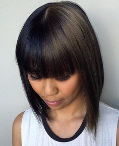 25 Two Tone Hair Color Ideas You Will Fall In Love - Trends for HAIR COLORING IN TWO COLORS Do you like experiments? We are sure that you have already looked at the hair of two colors. Wavy Weave Hairstyles, Natural Wedding Hairstyles, Cool Hairstyles, Chocolate Brown Hair Dye, Chubby Face Haircuts, Organic Hair Dye, Rachel Haircut, Medium Hair Styles, Hairstyle Ideas