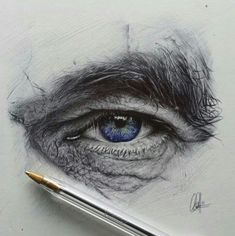 Pencil Portrait Mastery - Chris Herrera - I think eye drawings are a little cliché, but doesnt change the fact that they can be damn awesome - Discover The Secrets Of Drawing Realistic Pencil Portraits Eye Pencil Drawing, Realistic Pencil Drawings, Art Drawings, Drawing Eyes, Biro Drawing, Human Drawing, Drawing Of An Eye, Drawings Of Men, Realistic Eye Sketch