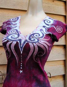 flash from the past batik dress Batik Fashion, Funky Fashion, Shibori Techniques, Batik Art, Batik Pattern, Batik Dress, African Attire, Love At First Sight, Tye Dye