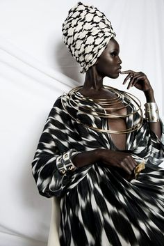 Maxi dress / kimono ideal for weddings and celebrations African Queen outfit Made in Senegal African Inspired Fashion, Africa Fashion, African Beauty, African Women, African Style, African Models, African Street Style, African Design, African Attire
