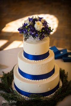 Classic Blue and White Wedding Cake  Kate + Wynn   Oxford, Ohio