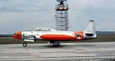 The Whiskey Four aerobatic display team was formed in 1956 at the RNLAF's Woensdrecht Air Base Royal Dutch, Gloster Meteor, Aircraft Pictures, Shooting Stars, Military Aircraft, Scale Models, Netherlands, Whiskey, Air Force
