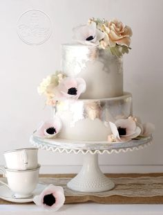 Antique Silver Leaf Cake Effect - Cake by Shawna McGreevy