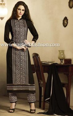 Black Pure Cotton Kameez, #SalwarKameez Salwar Suit Neck Designs, Neck Designs For Suits, Shrug For Dresses, Casual Dresses, Fashion Dresses, Indian Dresses, Indian Outfits, Wedding Salwar Kameez, Ikkat Dresses