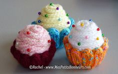 Recipe for wool knitting cupcakes – explanations step by step - Diy & Crafts World Crochet Cord, Cute Crochet, Crochet Stitches, Knitting Club, Spool Knitting, Finger Knitting, Lucet, Knitting Projects, Knitting Patterns