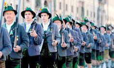 Fusileros. Desfile de trajes tradicionales en el Oktoberfest » Galerías fotográficas de El Siglo de Torreón