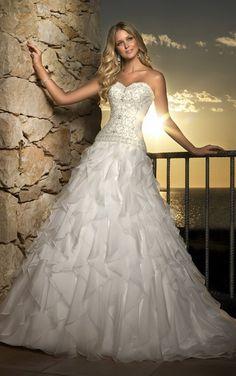 stylish island beach wedding dress by Stella York - Weddings Romantique Bridal Gown Styles, Bridal Style, Bridal Dresses, Prom Dresses, Dresses 2013, Stella York, Dream Wedding Dresses, Wedding Gowns, Wedding Dresses With Ruffles